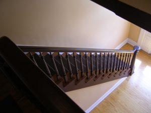 Toutes les étapes pour rénover un escalier en bois