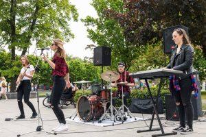 Comment réserver un groupe de musique pour un événement?