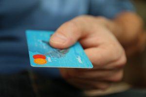 Les différentes offres de carte bancaire VISA à la Banque Postale