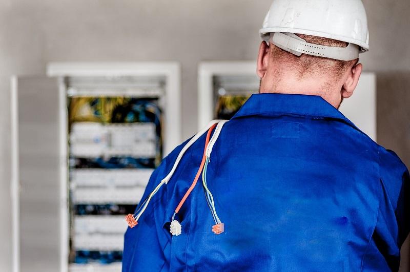 Mise aux normes électriques obligatoire avec fusible ou non : Tout savoir