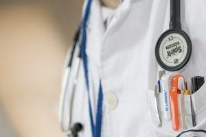 Le médecin de garde : quand et comment peut-on le contacter?