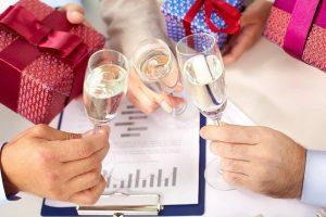 Fidéliser sa clientèle : quels petits cadeaux offrir ?