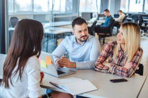 Rester salarié ou se lancer en freelance : les avantages du portage salarial