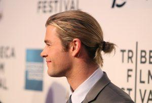 Le Man Bun : une coiffure masculine remise au goût du jour