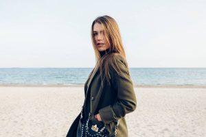 Mode féminine pour cet hiver : opter pour des vêtements haut de gamme