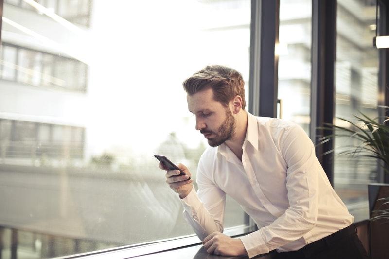 Engager une conversation Tinder: Faire une phrase d'accroche originale !