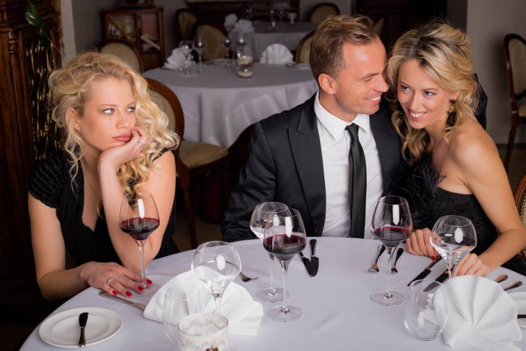 Sortir du célibat en s'initiant à un site de rencontre