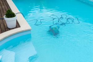 Comment nettoyer efficacement sa piscine?