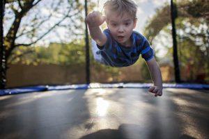 Trampoline pour enfants : à partir de quel âge ?